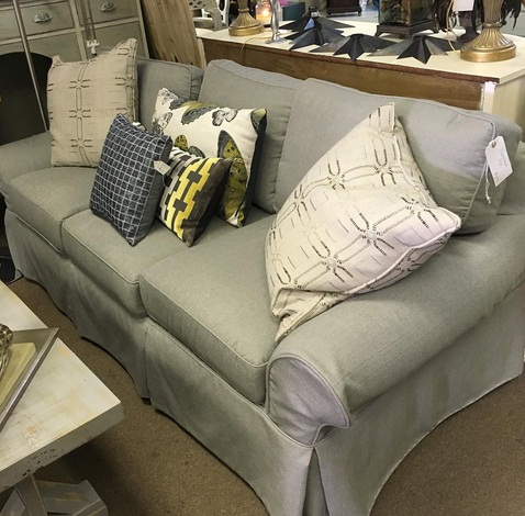 5 Reasons To Choose Consignment Furniture Stores