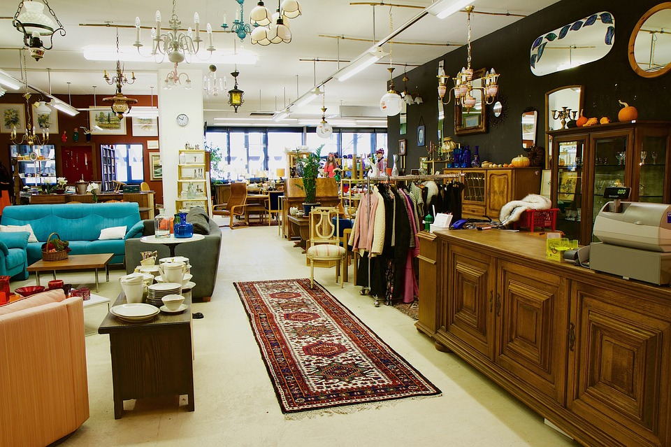 9 Thrifty Tips for Buying Used Furniture in Destin